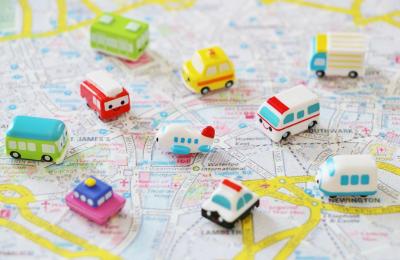 イメージ:地図と車